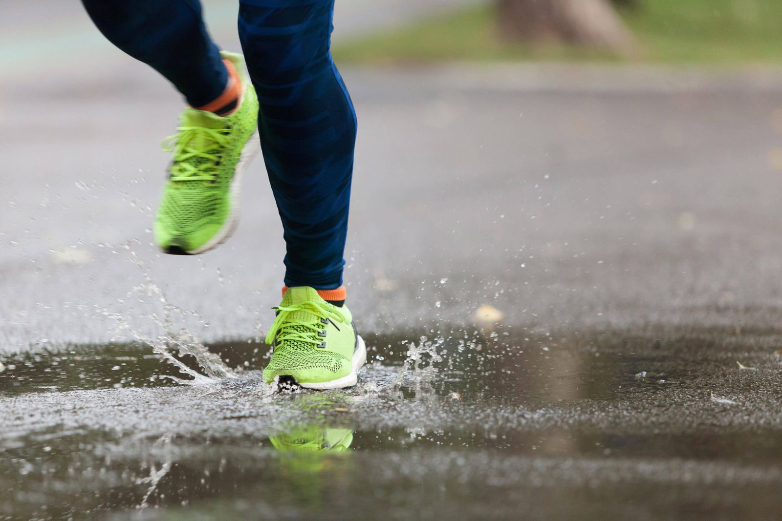 Jogging in the park model released Symbolfoto PUBLICATIONxINxGERxSUIxAUTxONLY Copyright xblanarux