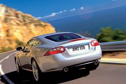 BU: Die neue Jaguar XK-Serie setzt auf leichte und robuste Karosserien aus Aluminium