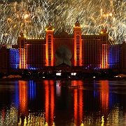 """Das größte Feuerwerk der Welt: Zur Eröffnung von """"The Palm"""" ließ Dubai es krachen"""