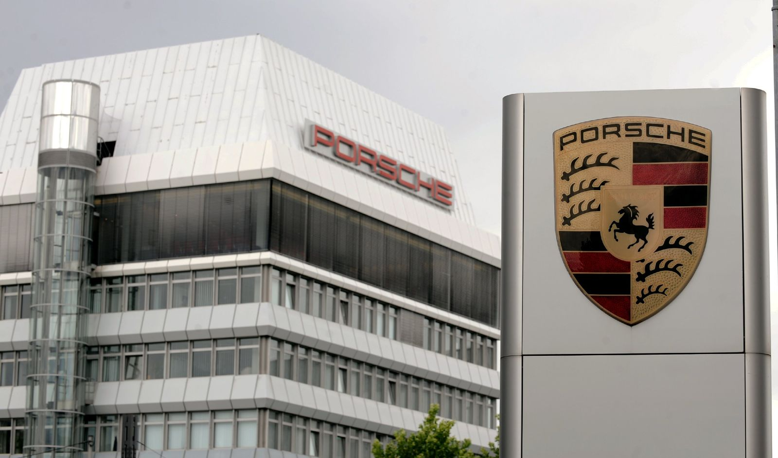 Porsche-Zentrale in Stuttgart Zuffenhausen