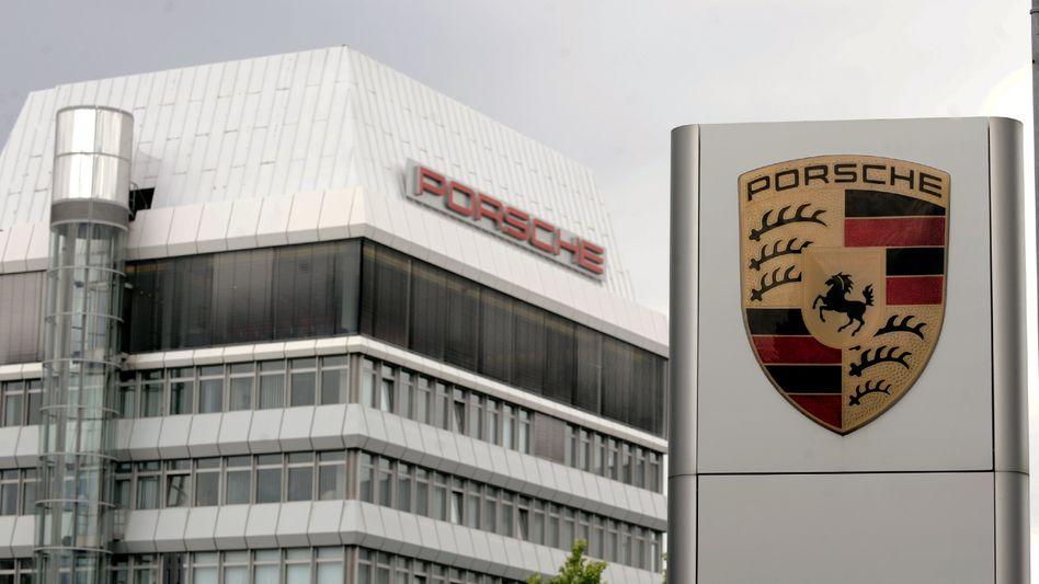Sportwagenhersteller Porsche in Stuttgart-Zuffenhausen: Klagen über Klagen gegen das gescheiterte Übernahmemanöver gegen Volkswagen