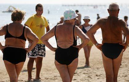 Deutsche Rentner am Strand von Rimini: Gute Aussichten, auch auf eine kleine Rentenerhöhung
