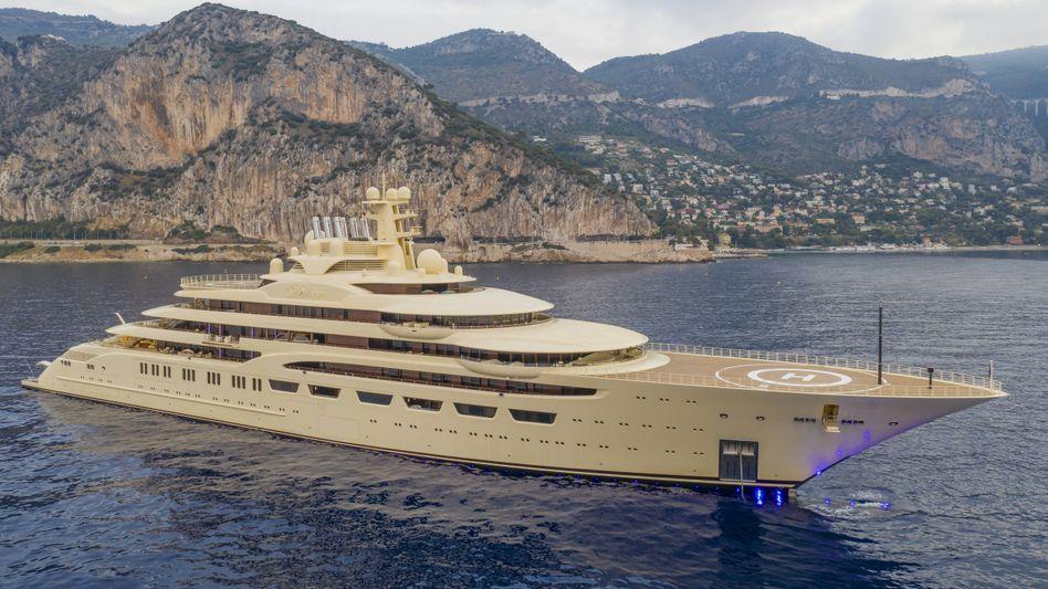 """Luxusyacht """"Dilbar"""": Ein ähnliches Exemplar hat angeblich zurzeit die Bremer Lürssen-Werft für den saudischen Kronprinzen Mohammed bin Salman in Arbeit"""