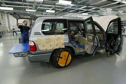 Produktionshalle von Centigon (ehemals Trasco): Bis zu 80 Fahrzeuge werden pro Jahr bei der Centigon (ehemals Trasco) umgerüstet