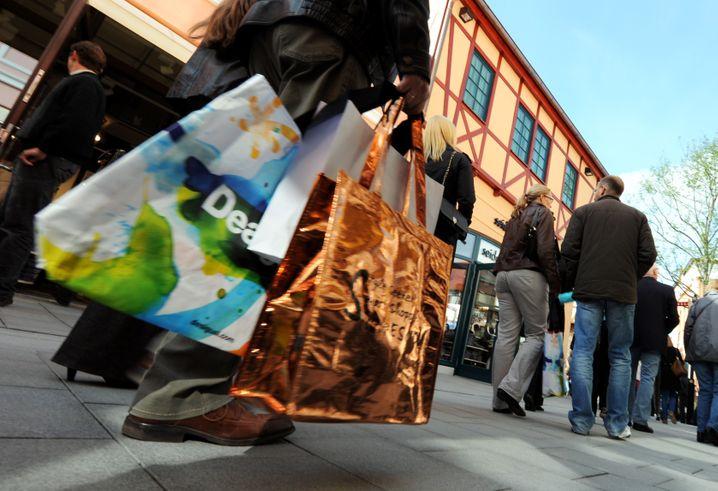 ... volle Einkaufstüten . Der private Konsum war 2018 eine wesentliche Stütze der deutschen Wirtschaft.