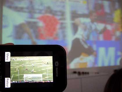 Magnet Fußball: Die Europameisterschaft soll potenzielle Handy-TV-Nutzer locken
