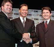 Haben große Pläne: Juan Villalonga (Terra Networks, re.), Thomas Middelhoff (Bertelsmann) und Bob Davis (Lycos, li.)