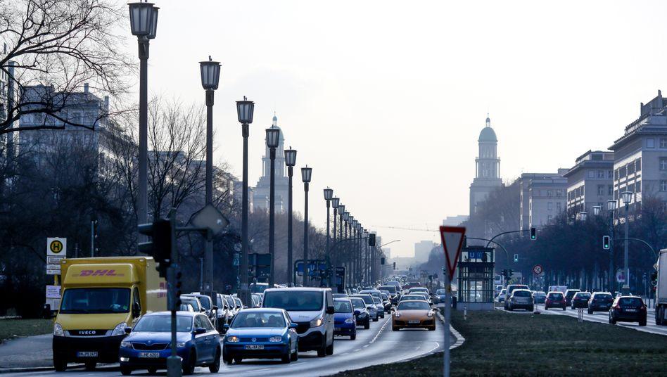 Berliner Stadtverkehr: Die Umwelthilfe will die Innenstadt weiträumig für ältere Dieselautos sperren lassen