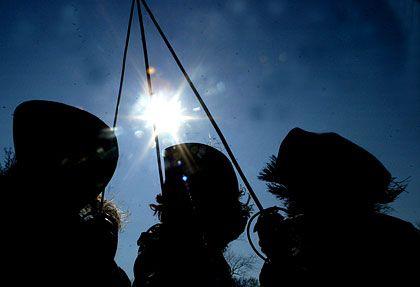 Gemeinsam stark: So lautet das Motto der drei Musketiere. Eher bekannt als: Einer für alle, alle für einen.