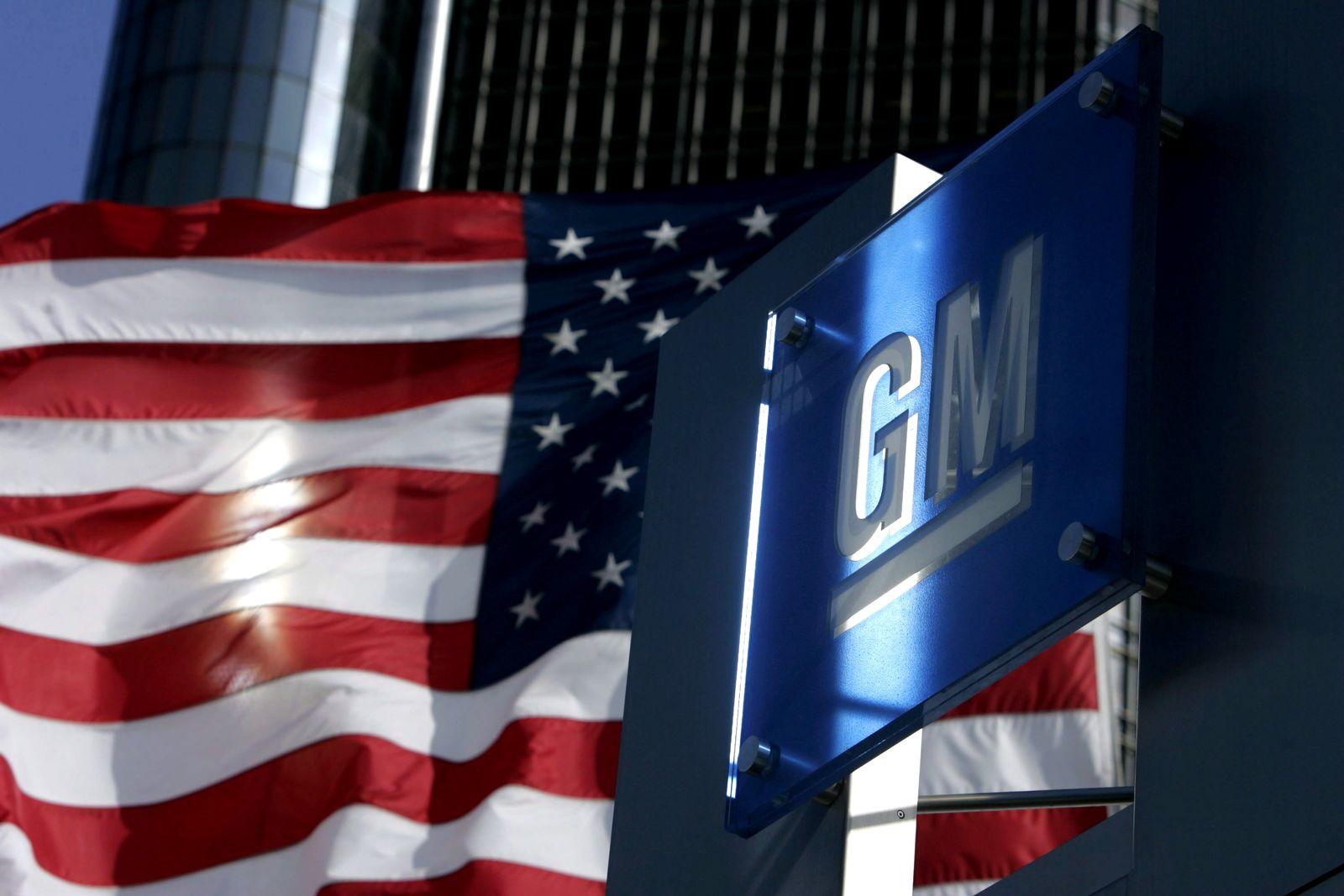 GM Logo / USA-Flagge