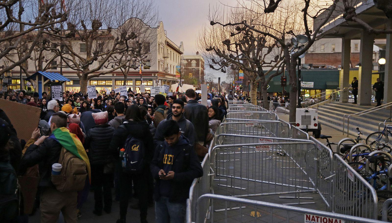 Trump/ Protest/ Berkeley