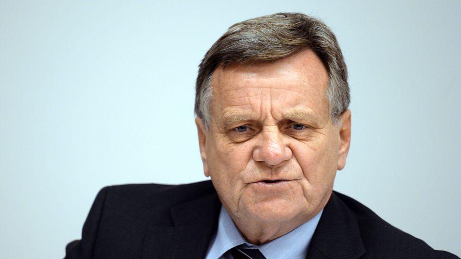 Flughafen-Chef Hartmut Mehdorn: 150.000 Mängel am Neubau