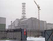 Riskantes Geschäft: Der Betonsarkophag des ukrainischen Kernkraftwerks Tschernobyl drohte Jahre nach der Katastrophe einzustürzen