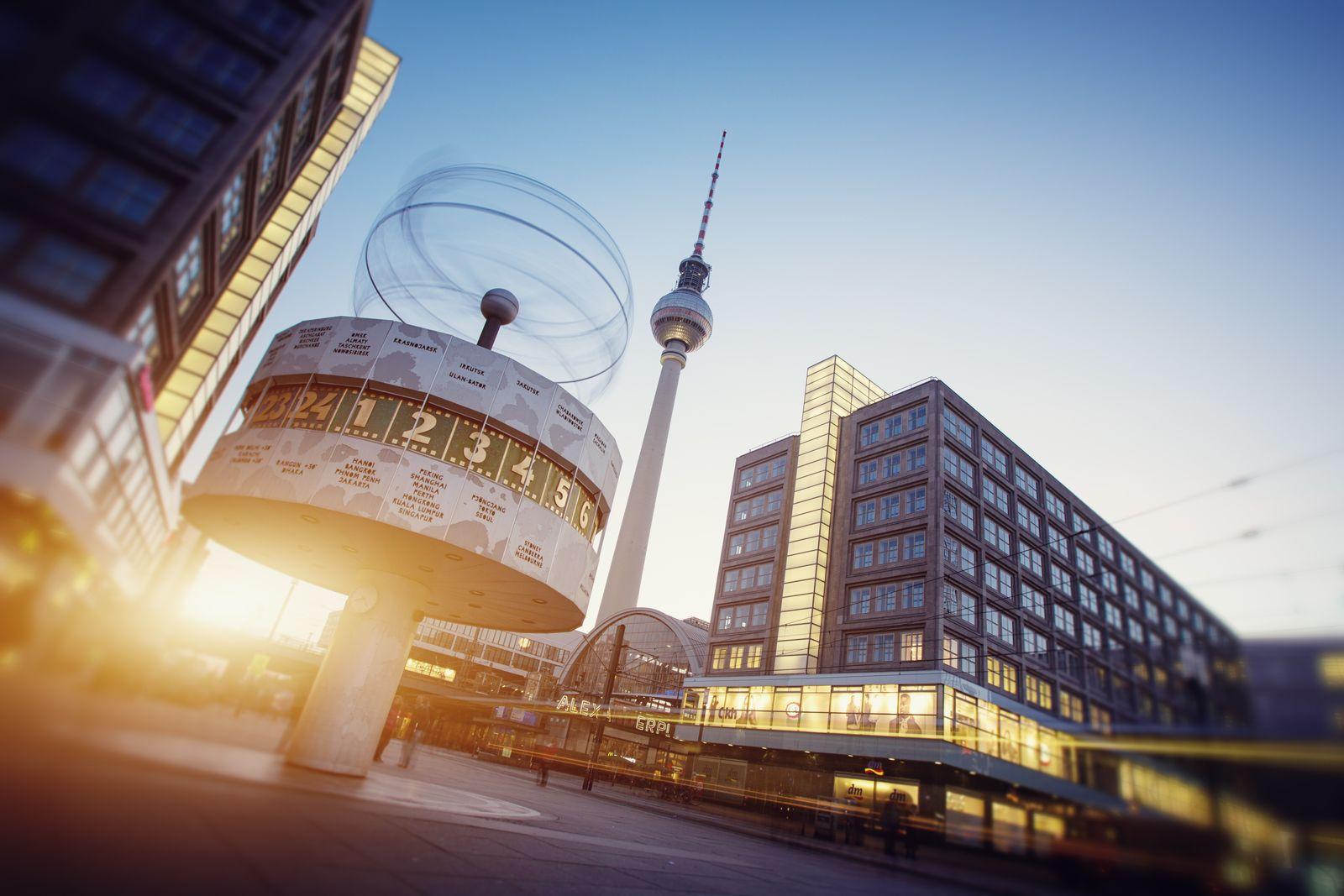 EINMALIGE VERWENDUNG Weltzeituhr Berlin
