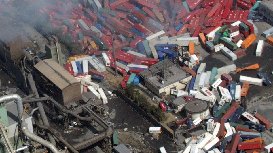 Zerstörungen nach Tsunami in Japan: Rückversicherer müssen 2011 rund 108 Milliarden Dollar Schadenlast schultern