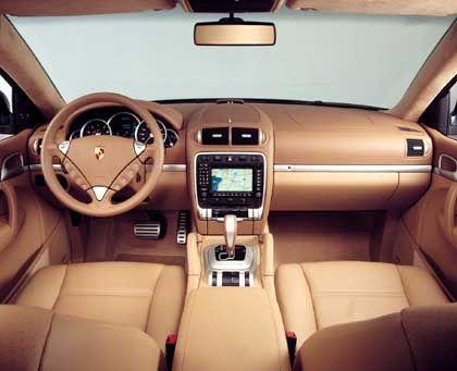 Cayenne Turbo: Rundinstrumente und ein etwas zu großes Lenkrad