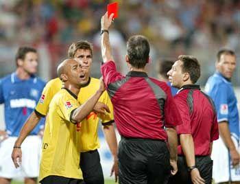 Dortmunder Kartenspiele: Rot für Kehl, Visa für die Fans