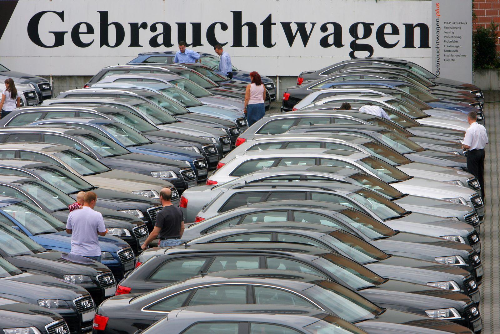 Verhandlungen über Bedingungen einer Gebrauchtwagen-Garantie