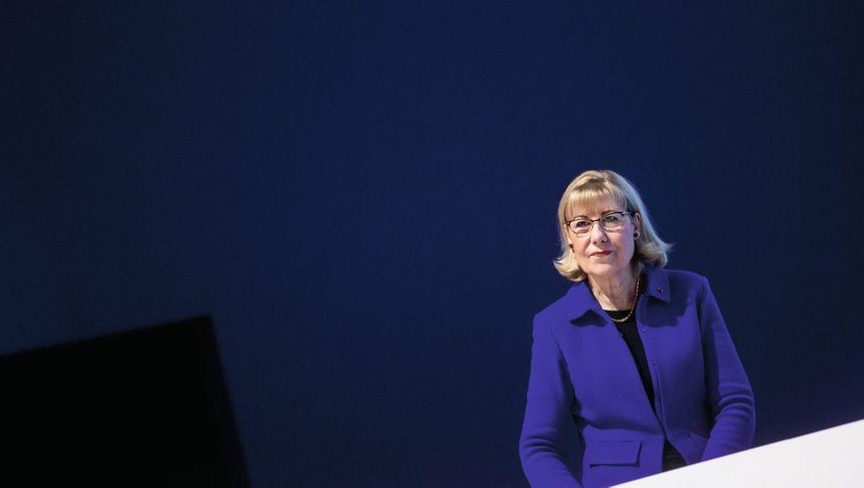 In Szene gesetzt: Als Universitätsrektorin konnte Ursula Gather glänzen. Nun will sie ihr missglücktes Wirken bei der Krupp-Stiftung und bei Thyssenkrupp in günstiges Licht rücken