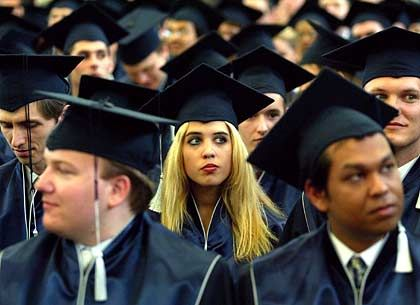 Die Wirtschaft ruft, die Wissenschaft röchelt: Uni-Absolventen