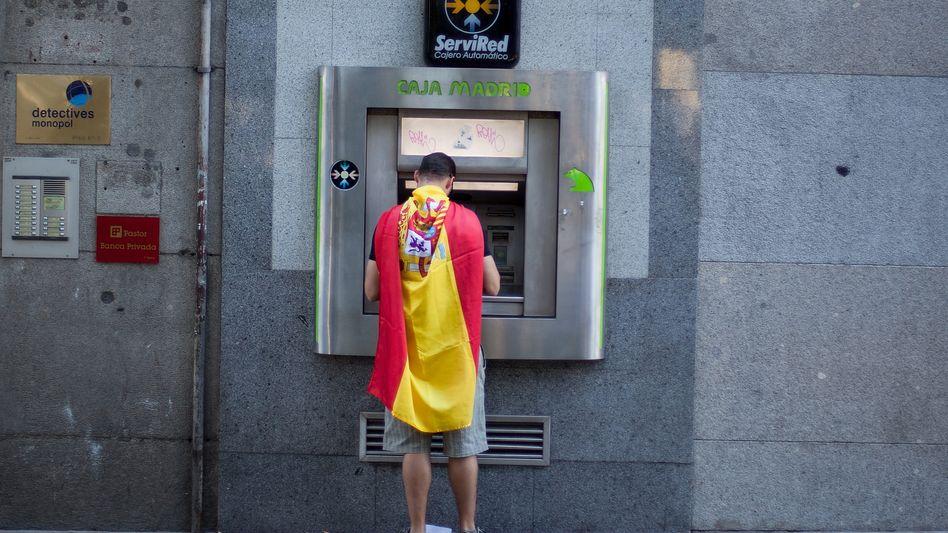 Geldabheben in Madrid: Massenhafte Abhebungen im Mai