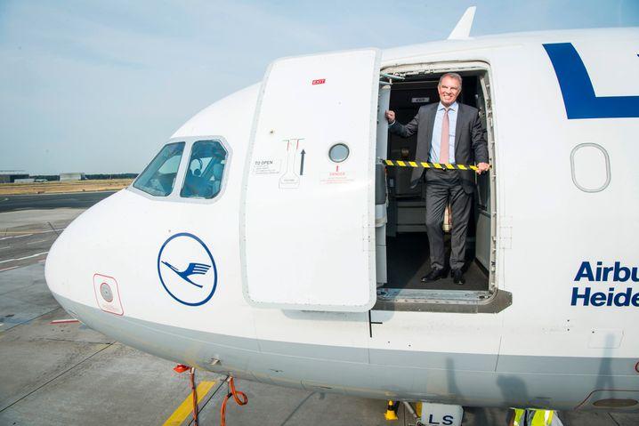 Kehraus: Lufthansa-Chef Carsten Spohr will der Airline mit einem radikalen Sparkurs eine Zukunft ermöglichen