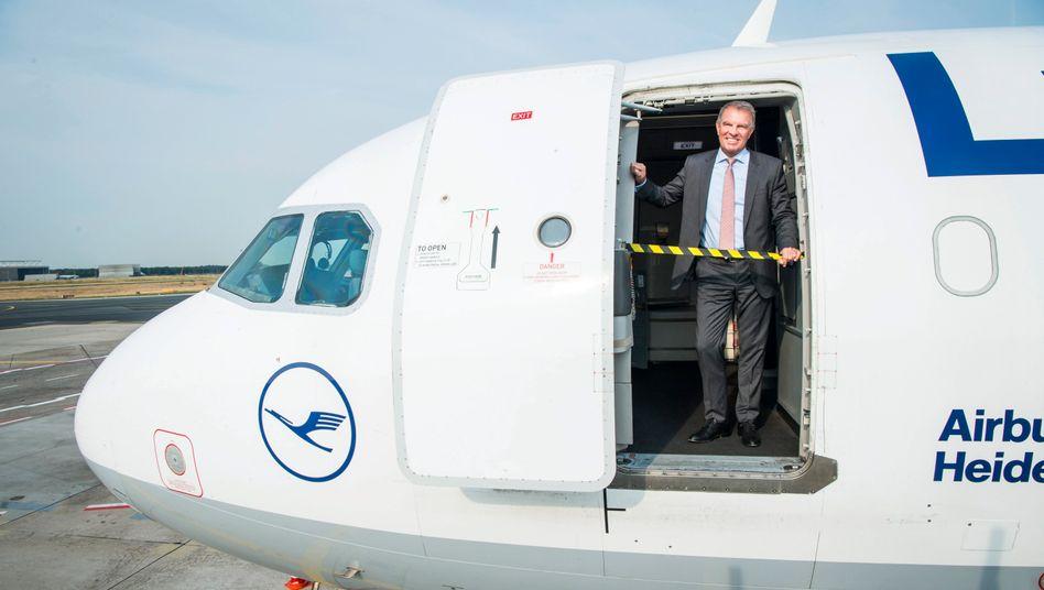 Kehraus: Lufthansa-Lenker Carsten Spohr überrascht mit radikaler Sparwut. Nur so, glaubt er, hat die Traditionslinie noch eine Zukunft.
