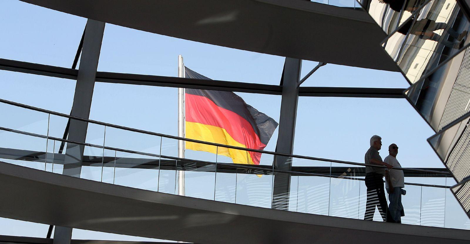 Reichstag/ Flagge/ Staatsdefizit