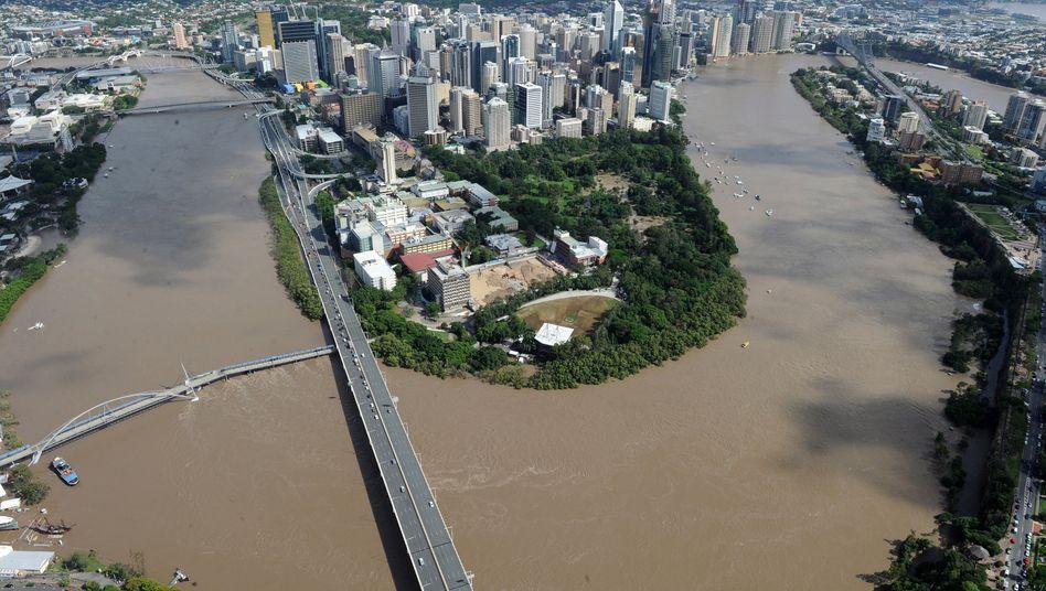 Hochwasser im australischen Brisbane: Die Belastung durch die erste Flut im Dezember veranschlagt die Munich Re auf rund 270 Millionen Euro.