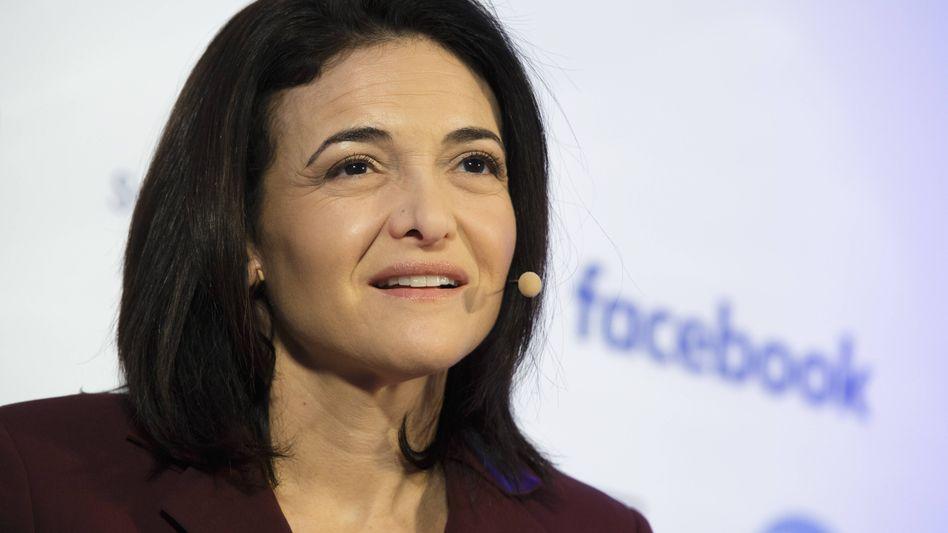 """""""Lean in"""": Facebook-Geschäftsführerin Sheryl Sandberg rief in ihrem Buch die Frauen zu mehr Aufmüpfigkeit auf"""