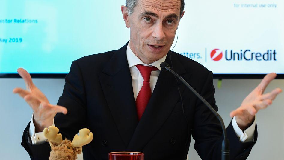 Unicredit-Chef Jean-Pierre Mustier (Bild Archiv) zeigt sich pessimistischer als die Wettbewerber. Italien ist von der Corona-Krise besonders betroffen. Den Banken in Italien drohen neue Belastungen durch die sich abzeichnende Welle von Firmenpleiten.