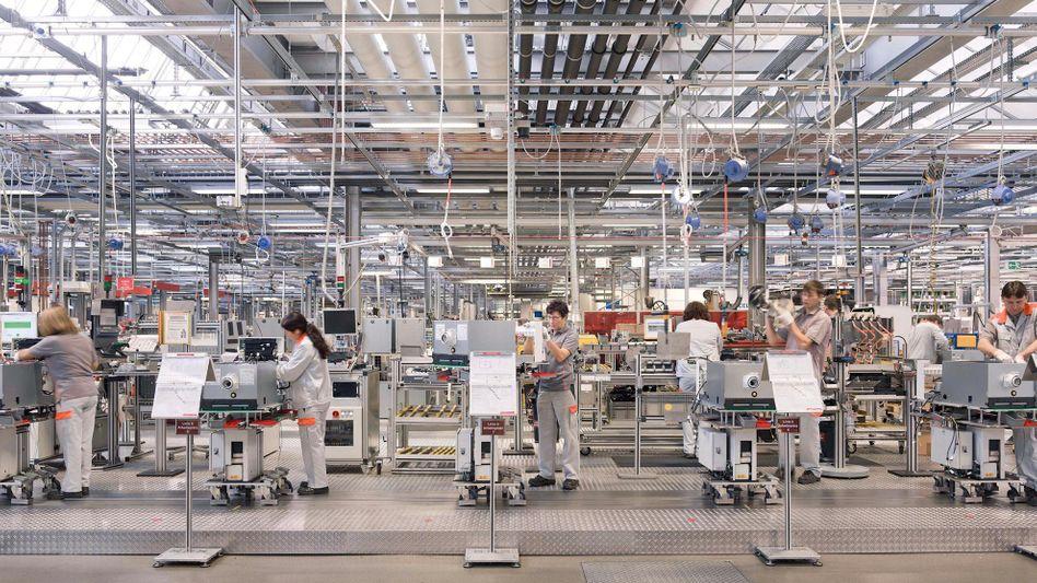 Viessmann-Fertigung am Stammsitz Allendorf: Bald könnten hier auch 600 Beatmungsgeräte pro Tag gefertigt werden