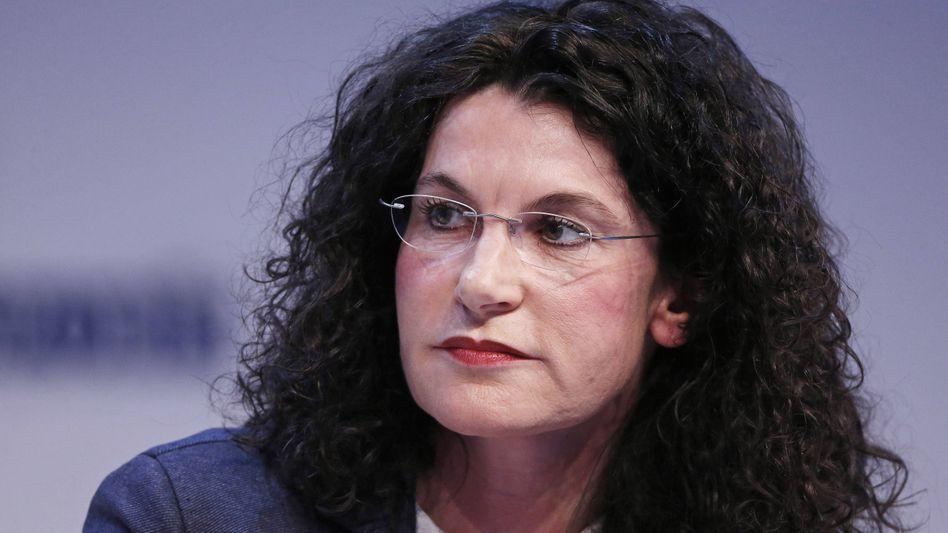 Gute Besserung: Douglas-Chefin Tina Müller kann auf unbestimmte Zeit nicht arbeiten.