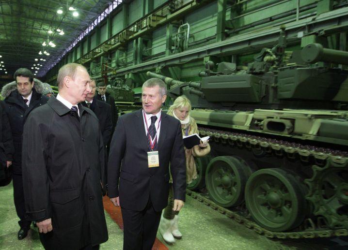 Wladimir Putin: Die Politik des Präsidenten hat Russland in die politische Isolation getrieben - und den Rubel in die Tiefe geschickt