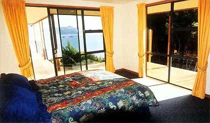Insel Forsyth - Blick ins Schlafzimmer der Lodge