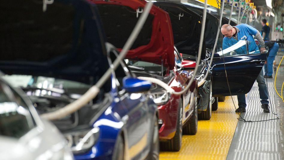 BMW-Werk in Dingolfing: Das selbstfahrende Auto soll 2021 auf den Markt kommen