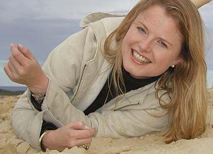Barbara Barkhausen ist Print- und TV-Journalistin und arbeitet seit sechs Jahren als freie Auslandskorrespondentin in Sydney. Zunächst startete Barkhausen beim ZDF und ging von dort zur Bavaria Film. Nach fünf Jahren als Redakteurin, Projektleiterin und später CvD zog sie mit ihrem Mann nach Sydney und machte sich selbständig