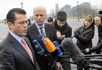 Wirtschaftsminister Guttenberg, GM-Manager Forster: Gespräche ohne Annäherung