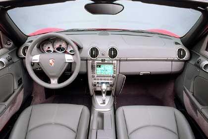 Innenraum des Boxster S: Höhenverstellbares Lenkrad und Kopfairbags