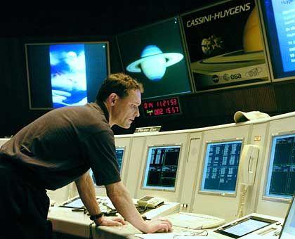 Esa-Raumfahrtzentrum: Hier landen die Fotos und Daten der sechs wissenschaftlichen Instrumente, die Huygens hoffentlich am Nachmittag übermitteln wird
