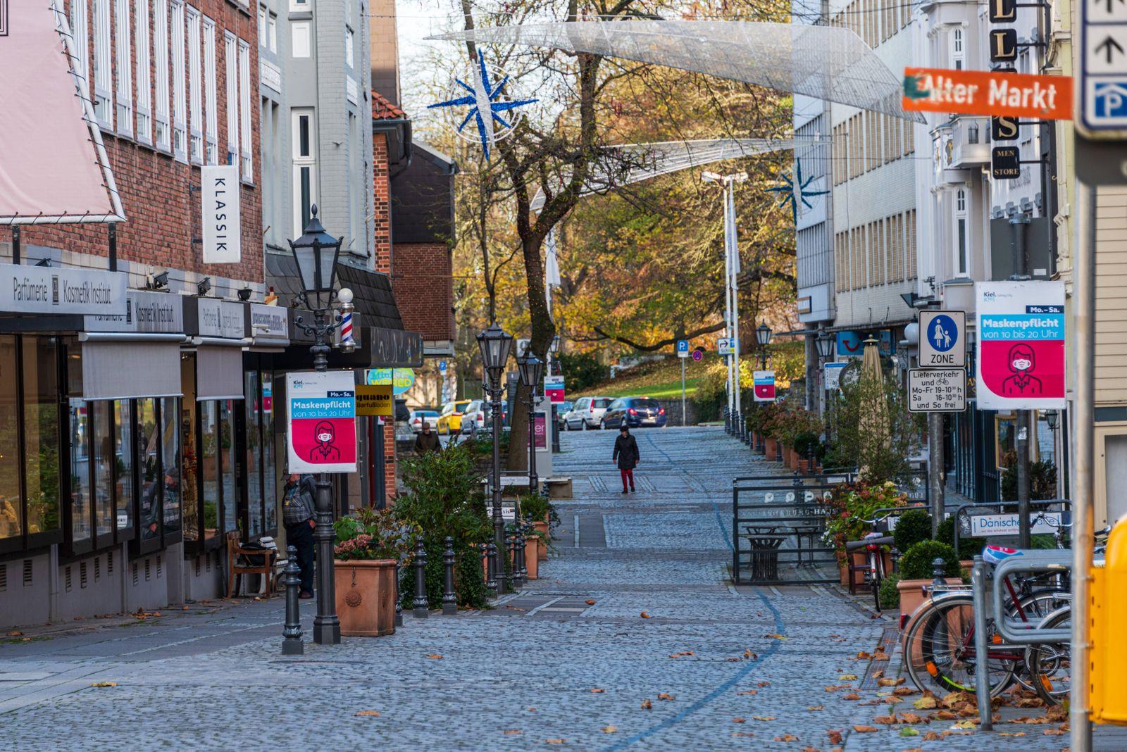 Der Alte Markt in Kiel ein gastronomischer Hotspot, während des Corona-Lockdowns menschenleer *** The Old Market in Kie
