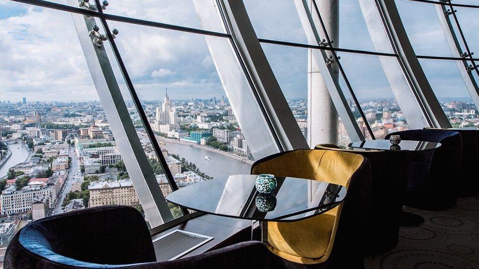 """BAR WITH A VIEW Das """"City Space"""" ist elegant, aber nicht neureich, und die Aussicht grandios"""