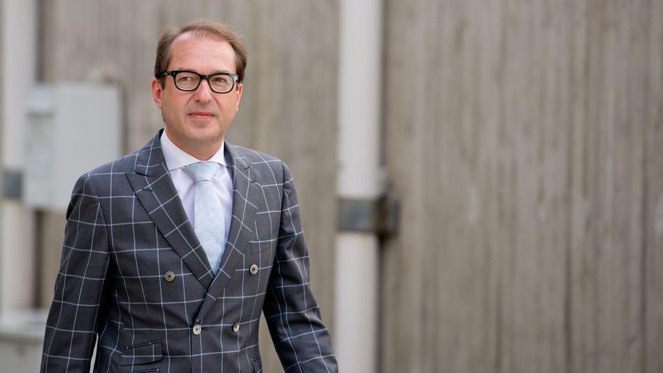 "Bundesverkehrsminister Dobrindt erntet Kritik: ""Böcke zu Gärtnern gemacht"""