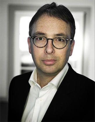 Andreas Neef ist geschäftsführender Gesellschafter von Z_Punkt. Er verantwortet Foresight- und Innovationsprojekte für namhafte Großunternehmen und berät Topmanager in strategischen Zukunftsfragen.