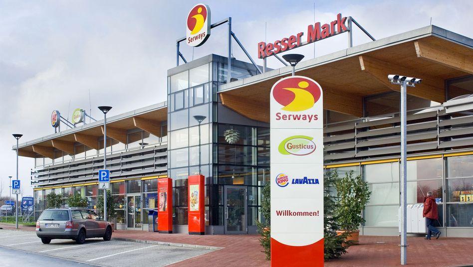 390 Raststätten an der deutschen Autobahn: Auch Serways gehört zu Tank & Rast. Der Finanzinvestor Terra Firma, der 2004 für rund eine Milliarde Euro Tank & Rast übernommen hatte, streicht mit dem Wiederverkauf einen hohen Gewinn ein