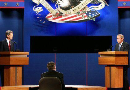John Kerry (li) und George Bush: 90 Minuten Debatte über die Außenpolitik