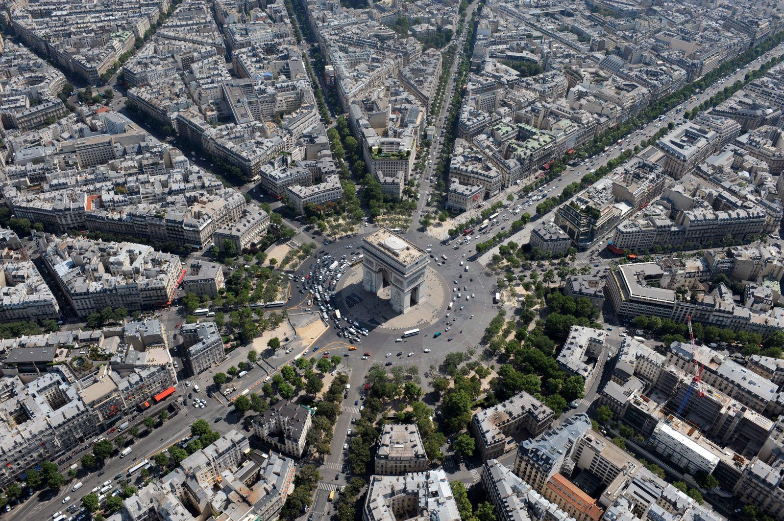 Frankreich / Paris / Champs-Elysées