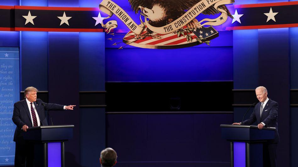Hitzige Debatte und in der Wortwahl oft beleidigend: Donald Trump (links) und Herausforderer Joe Biden lieferten sich ihr erstes TV-Duell