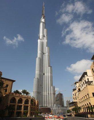 Rekordturm: 828-Meter-Hochhaus Burj Chalifa in Dubai