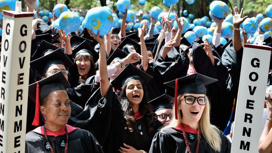 Die Frauen kommen: Abschlussfeier in Harvard.